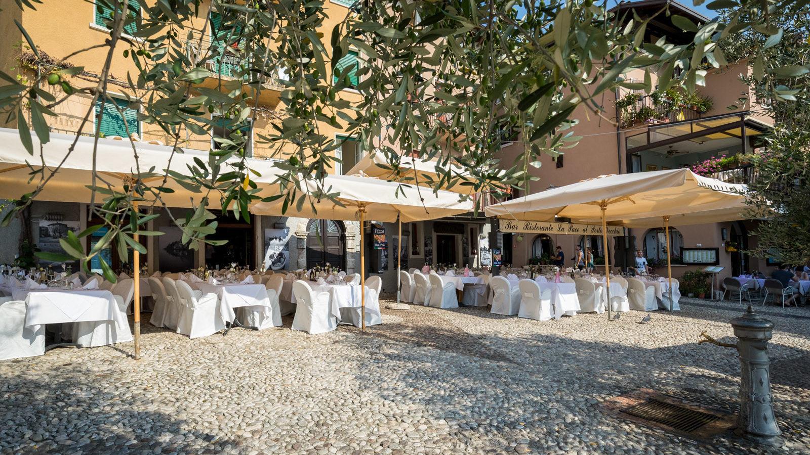 Bar Pizzeria Ristorante La Pace Malcesine al porto vecchio di Malcesine per i matrimoni